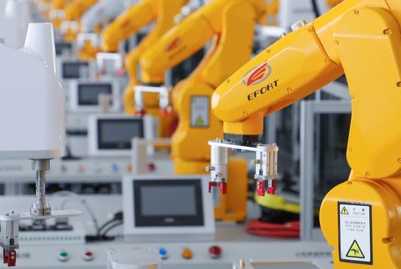 """注塑机械手:""""机器换人""""时代下的产物"""